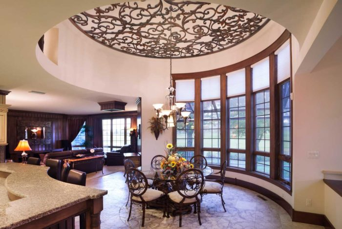 S-shaped living and dining spaces with full furnishings